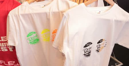 B-flex t-shirts på stativ